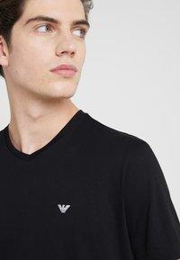 Emporio Armani - 2 PACK - Basic T-shirt - black - 4