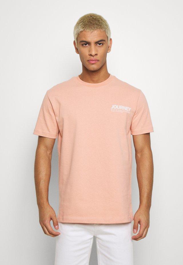 AARHUS  - T-shirt con stampa - dusty pink