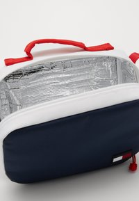 Tommy Hilfiger - CORE LUNCH BOX - Across body bag - blue - 4