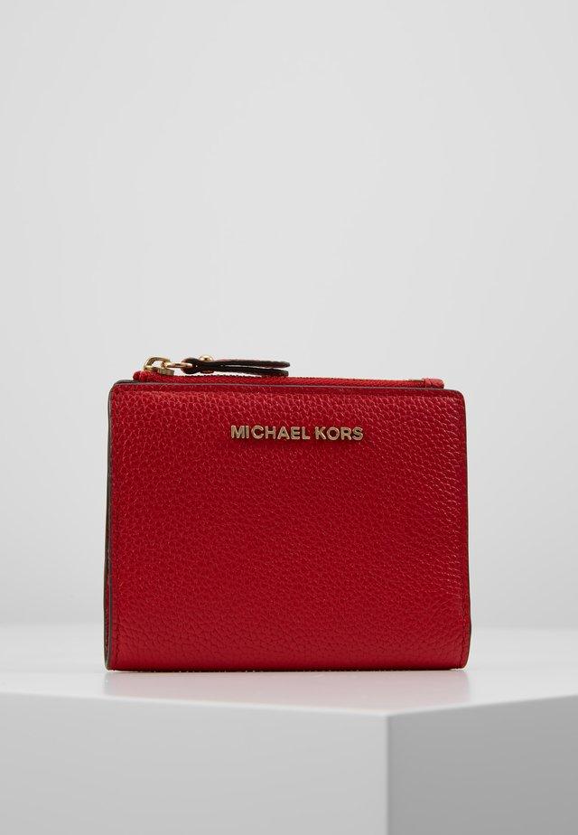 JET SET SNAP BILLFOLD SMALL - Wallet - bright red