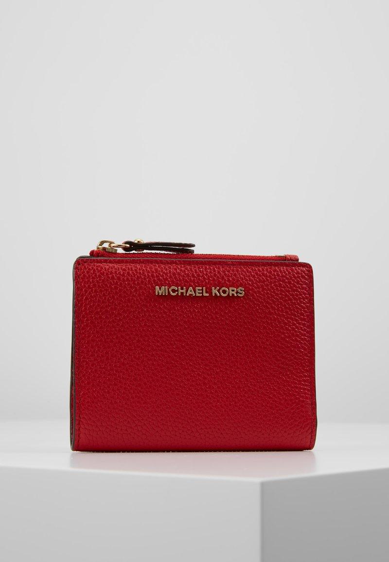 MICHAEL Michael Kors - JET SET SNAP BILLFOLD SMALL - Portafoglio - bright red