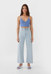 Stradivarius - NAHTLOSE CROPPED 01164837 - Flared jeans - blue - 1