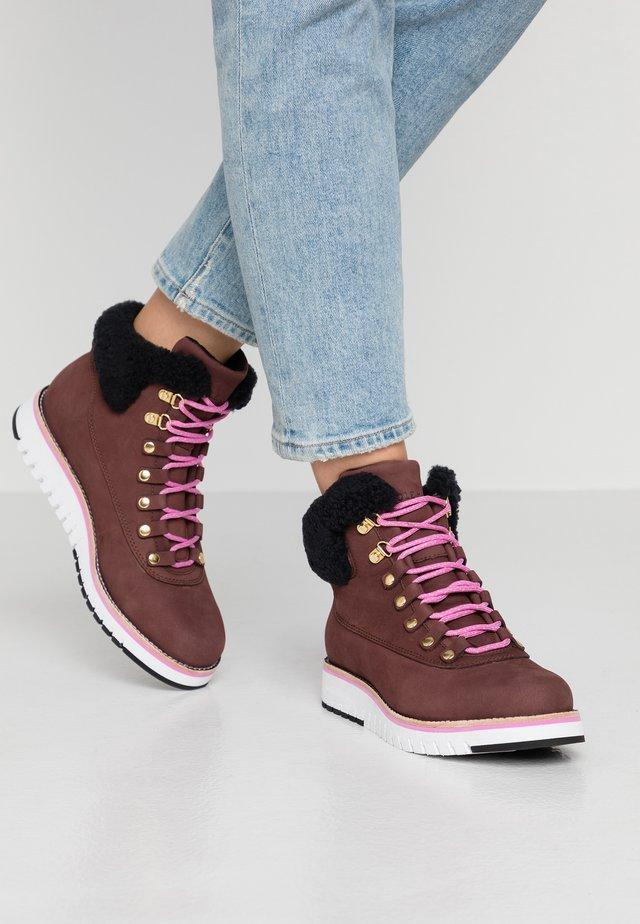 ZEROGRAND  - Boots à talons - choc/ivory