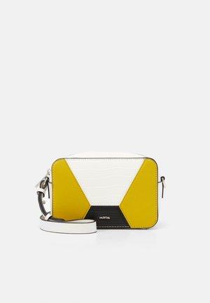 CROSSBODY BAG RACHEL - Across body bag - white