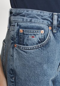 Tommy Jeans - HARPER - Straight leg jeans - marcia mid blue - 4