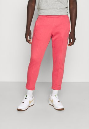 PANT  - Tracksuit bottoms - archaeo pink