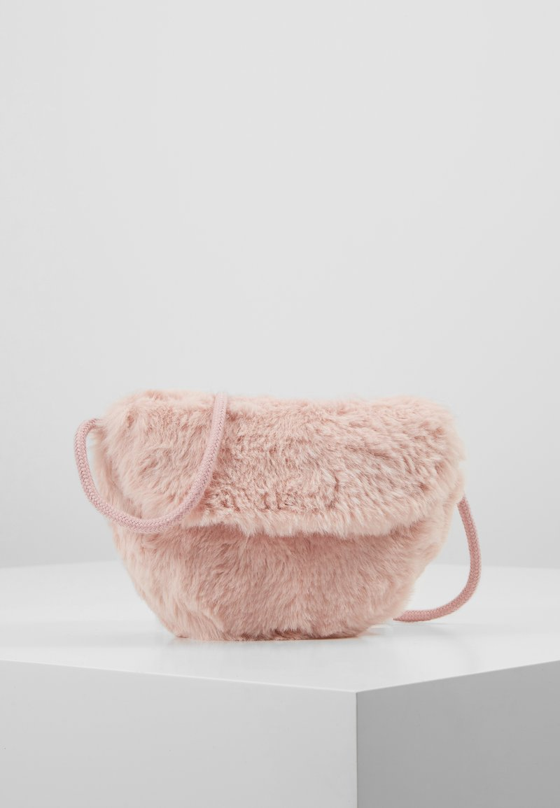 Cotton On - CROSSBODY SADDLE BAG - Skuldertasker - pink