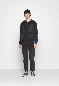 Levi's® - GRAPHIC TEE UNISEX - Long sleeved top - blacks - 1
