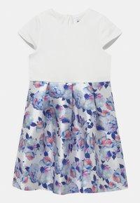 Chi Chi Girls - CATHERINE DRESS - Koktejlové šaty/ šaty na párty - white - 0