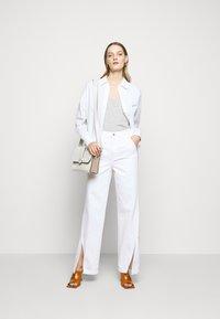 J Brand - BRAIDED TROUSER JOAN - Flared Jeans - braided white - 1