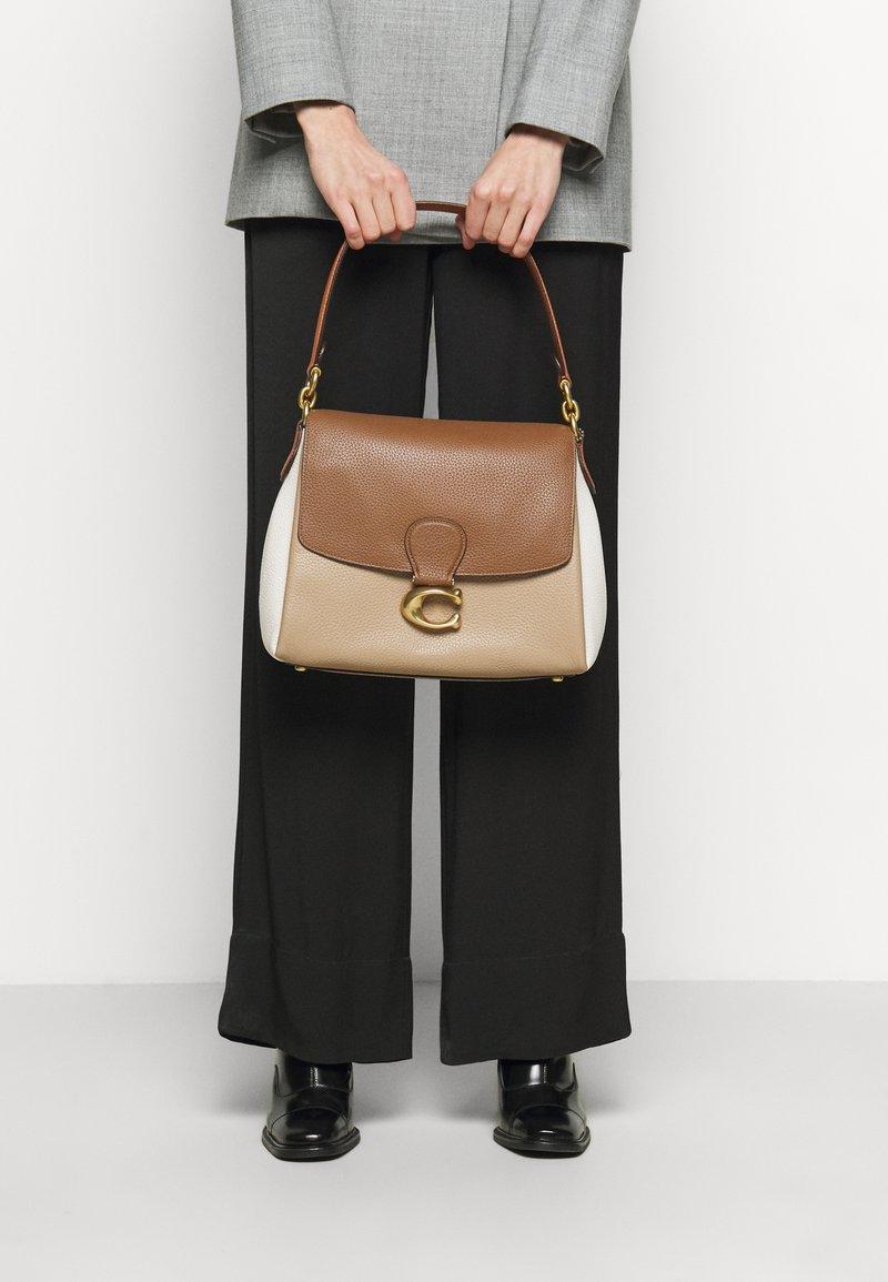 Coach - COLORBLOCK MAY SHOULDER BAG - Kabelka - vintage khaki multi