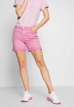 Denim shorts - sunlit coral