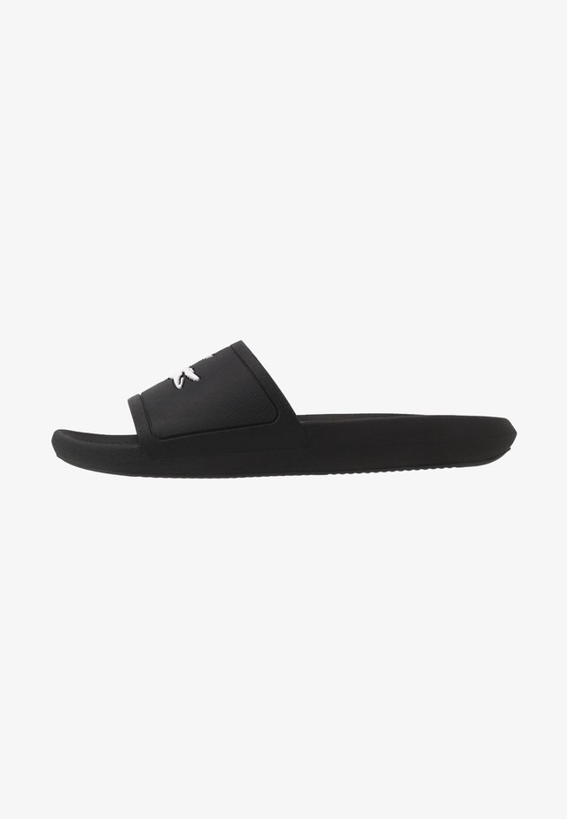 CROCO SLIDE - Sandales de bain - black/white