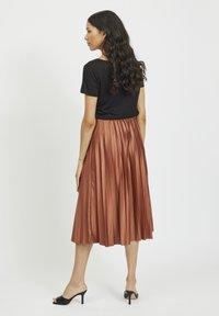 Vila - Pleated skirt - tobacco brown - 2