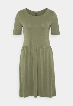 PCKAMALA DRESS - Vestido ligero - deep lichen green