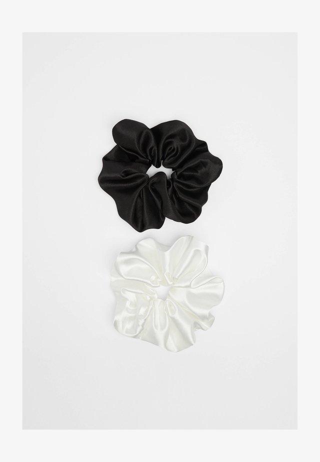 2 PACK - Příslušenství kvlasovému stylingu - black