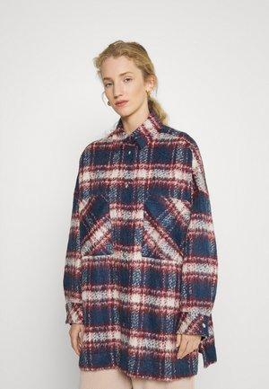 KUZEY - Classic coat - blue/berry/white