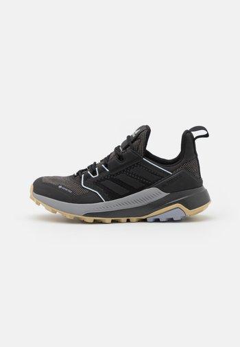 TERREX TRAILMAKER GORE-TEX  - Trail running shoes - core black/halo silver