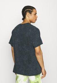 Vintage Supply - VASE PRINT TEE - Camiseta estampada - black - 2