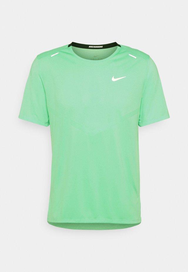 RISE - Print T-shirt - green glow/silver