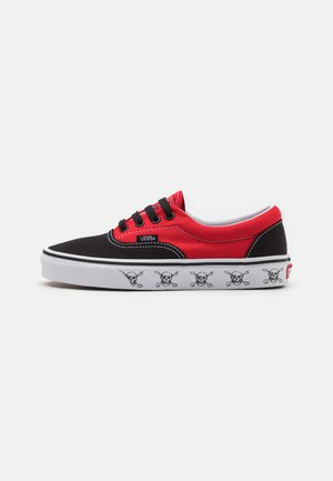 ERA UNISEX - Sneakers - black/high risk red
