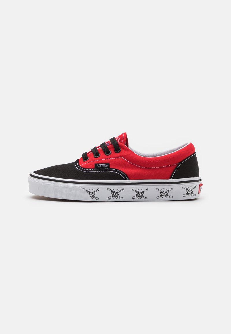 Vans - ERA UNISEX  - Sneakersy niskie - black/high risk red