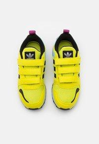 adidas Originals - ZX 700 HD UNISEX  - Trainers - acid yellow/core black/haze sky - 3