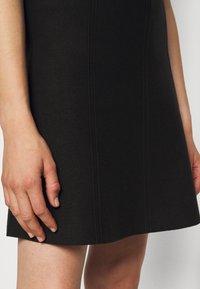 Steffen Schraut - FAVORITE SKIRT SPECIAL - A-line skirt - black - 5