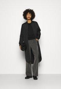 Anna Field - BASIC CLEAN  CREW NECK SWEATSHIRT  - Sweatshirt - black - 1