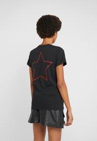 Pinko - PATACIA - T-shirts med print - nero limousine - 2