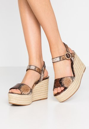 High heeled sandals - multicolor/brown