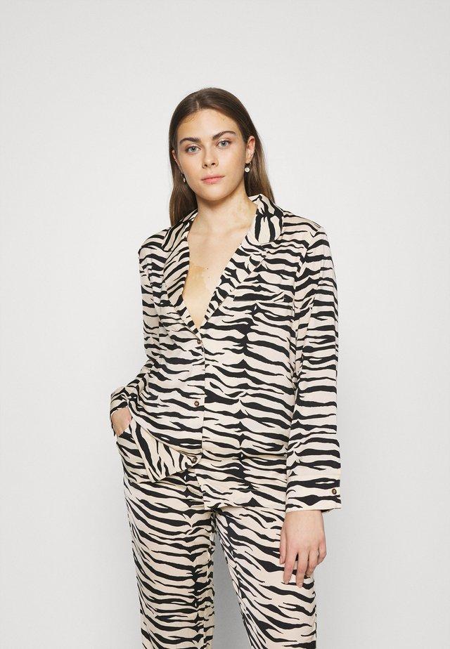 JEANNE - Pyjamashirt - black