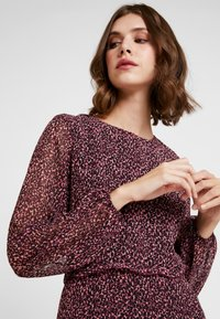 Dorothy Perkins - DITSY RUFFLE FIT AND FLARE - Day dress - purple - 4