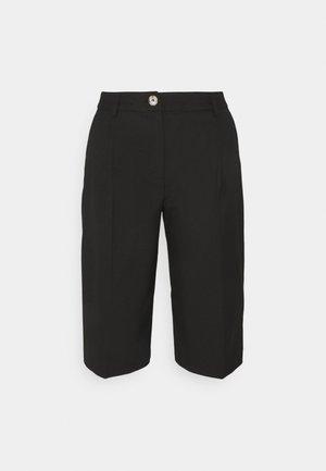 SLFPASB - Shorts - black