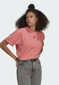 adidas Originals - TEE - T-shirts - hazy rose - 0