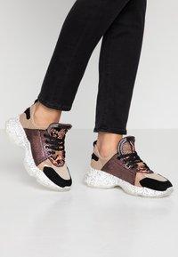 Steve Madden - MESCAL - Sneakers - rose/multicolor - 0