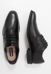 Madden by Steve Madden - YENNIT - Smart lace-ups - black - 1