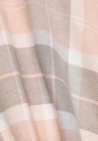 Barbour - STAFFIN TARTAN SERAPE - Cape - pink/grey - 2