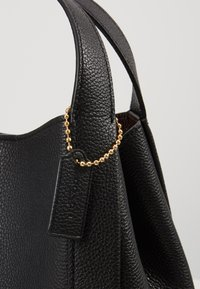 Coach - POLISHED PEBBLE HADLEY HOBO - Handbag - black - 6