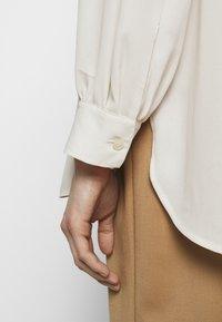 Filippa K - LAYLA BLOUSE - Košile - ivory - 4