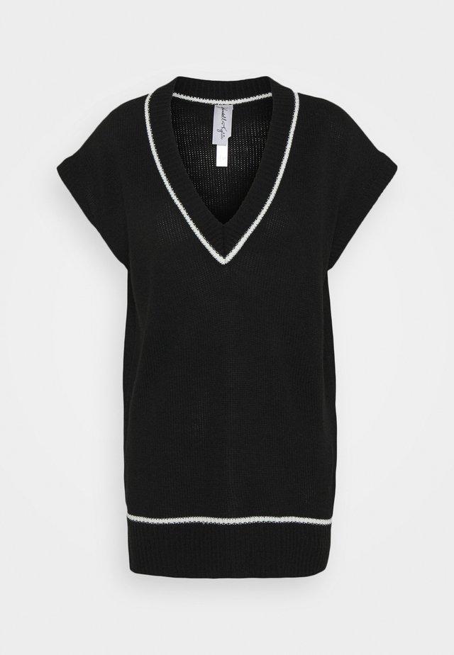 VEST DRESS - Pletené šaty - black