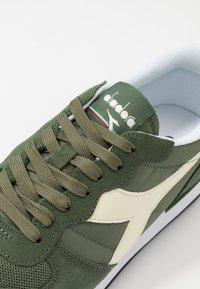 Diadora - ICONA UNISEX - Sneakers laag - olivine/whisper white - 5