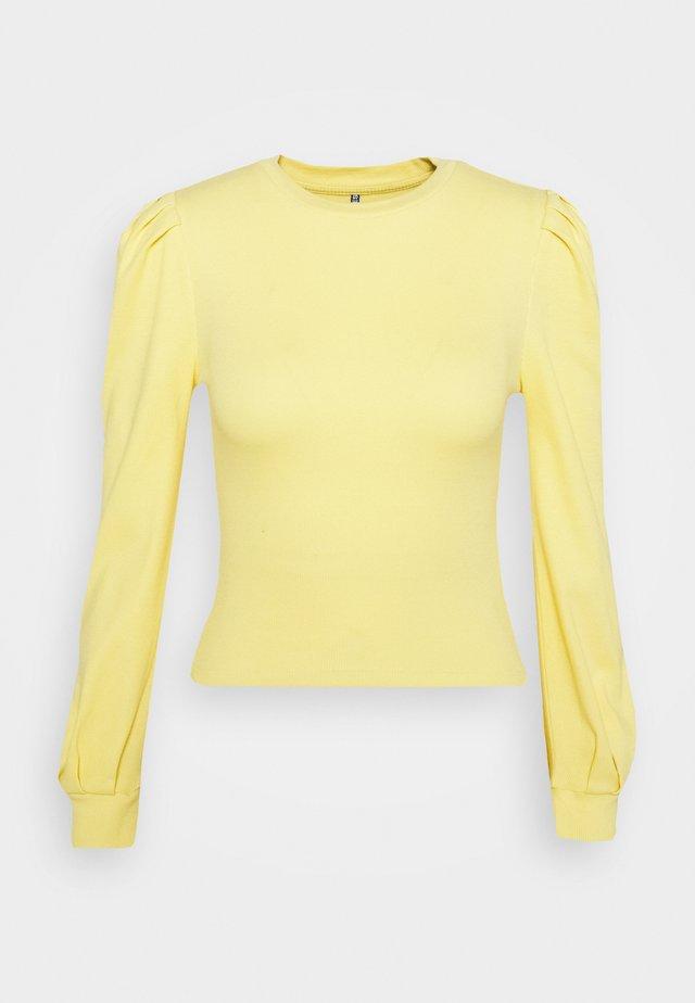 PCNANNA - Long sleeved top - dusky citron