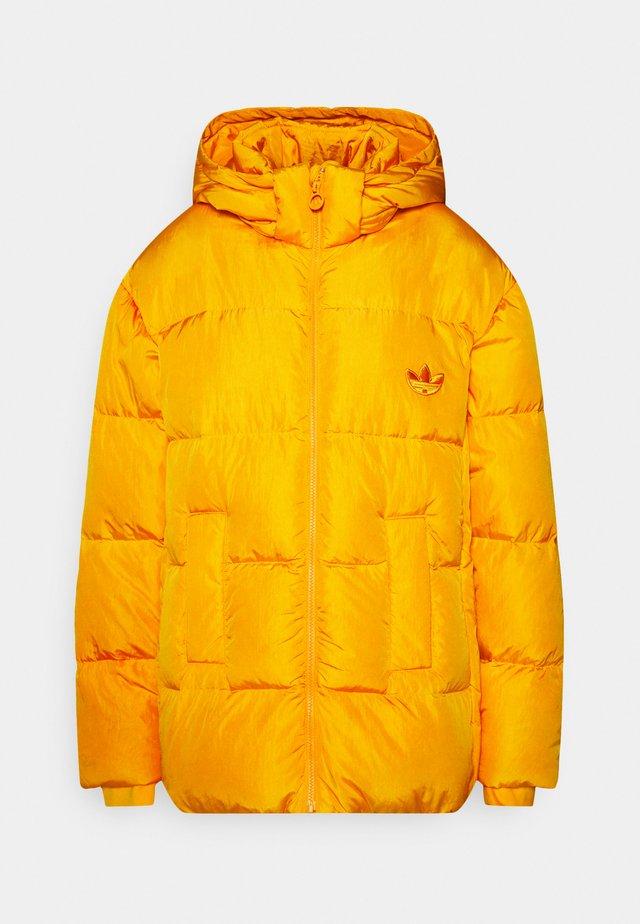 WINTER REGULAR JACKET - Down jacket - active gold