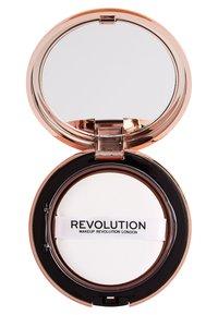 Make up Revolution - CONCEAL & DEFINE POWDER FOUNDATION - Foundation - p4 - 2
