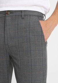 Gabba - PISA ENGLISH - Trousers - grey check - 3