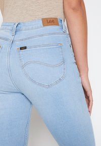 Lee - BREESE - Flared jeans - bleached azur - 6