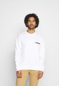 Calvin Klein - CHEST BOX LOGO - Sweatshirt - white - 0