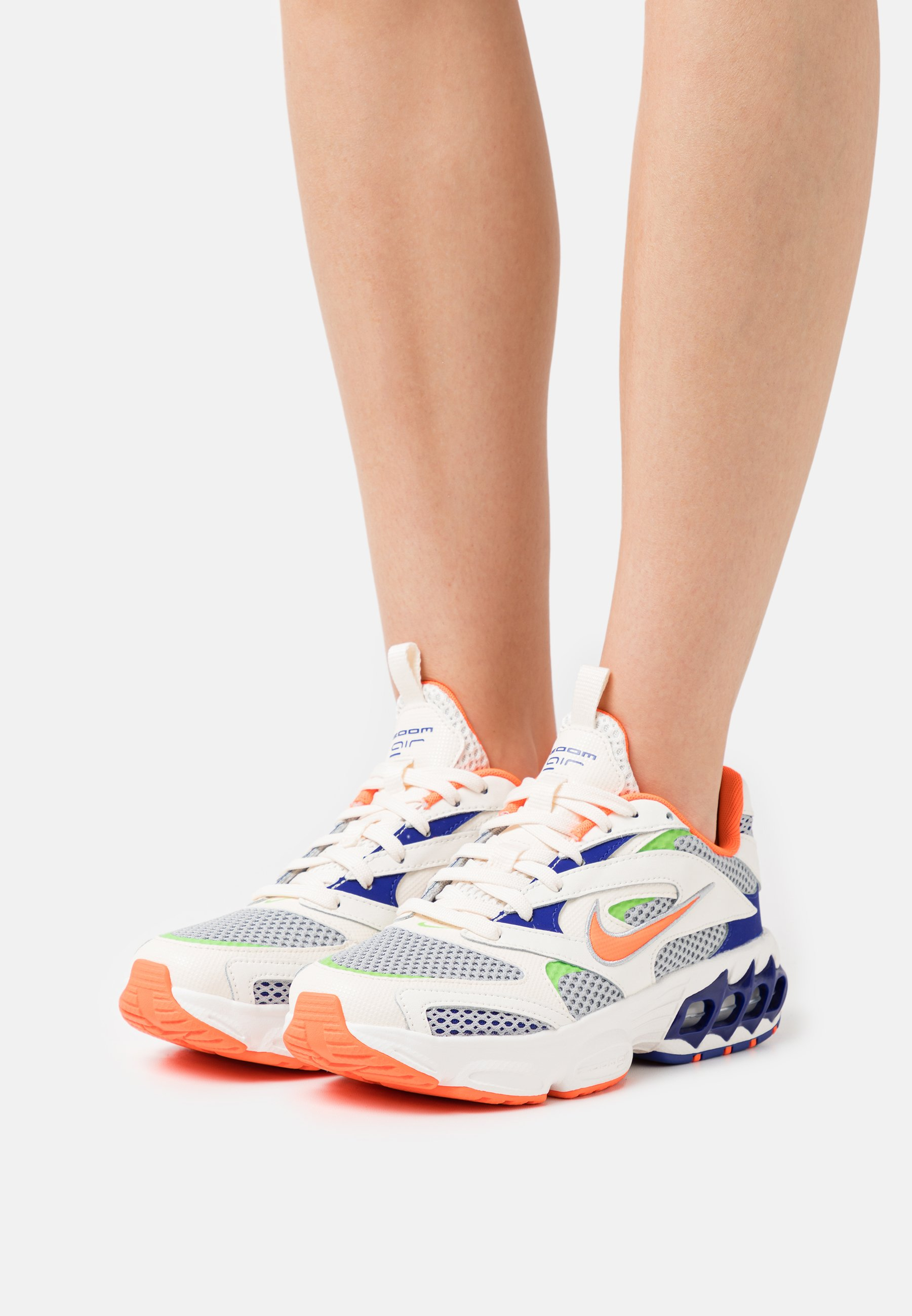 Women ZOOM AIR FIRE - Trainers