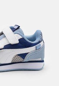Puma - FUTURE RIDER FIREWORKS V - Tenisky - elektro blue/white - 5